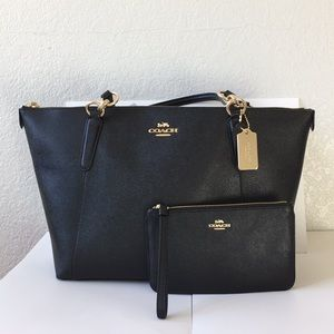 🌵🍒Coach Ava tote bag&wristlet set🌵🍒